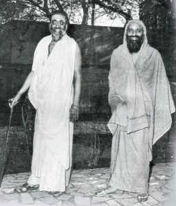 Pujya Swamiji with Swami Chinmayananda